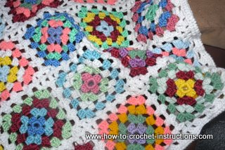 How to Crochet a Granny Square - Photo Tutorial