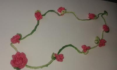 Beautiful crochet necklace with small roses