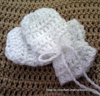 Free Crochet Children's Mitten Pattern: Crocheted Joined Mittens